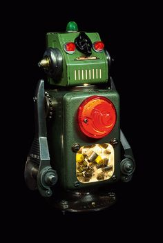 Viva la Roboluciòn: Robot Sculptures by +Brauer | Inspiration Grid | Design Inspiration