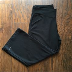 Nike Dri-Fit Capri | Pants Nike Dri-Fit Capris | Pants Color: Black  In great Condition Material: 88% Polyester | 12% Spandex Measurements: Inseam: 21 inches | Waist: 15 inches ❗️Can be Capris or Pants depending on height, I'm 5'5 and these hit a little above my ankles❗️ Open to Offers Nike Pants Capris