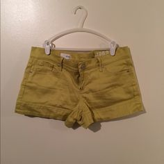 Five pocket green shorts Lime green gap shorts with five pocket styling. Fabric has stretch to it and is very comfortable. GAP Shorts
