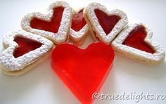 Inimioare Cookie Cutters, Valentines Day, Cookies, Desserts, Food, Valentine's Day Diy, Crack Crackers, Tailgate Desserts, Deserts