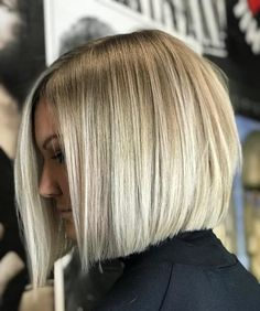32 Layered Bob Hairstyles and New Ways Of Adding Layers Blunt Bob With Bangs, Blonde Blunt Bob, Layered Bob Hairstyles, Bob Hairstyles With Bangs, Men's Hairstyle, Formal Hairstyles, Wedding Hairstyles, Layered Bob Short, Layered Bob With Bangs