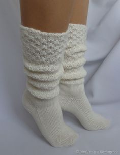 Cable Knit Socks, Knitted Slippers, Slipper Socks, Crochet Slippers, Knitting Socks, Knit Crochet, Cute Socks, Leg Warmers, Diy Gifts