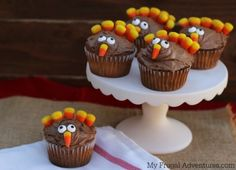 How to Make Turkey Cupcakes - so cute and so easy!