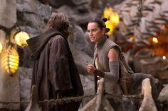 Star Wars: The Last Jedi: First look at deleted scenes | EW.com