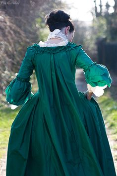 Robe à la Française from nadelmaid.de 18th Century Dress, 18th Century Costume, 18th Century Clothing, 18th Century Fashion, Historical Costume, Historical Clothing, 1700s Dresses, Outlander, Anne Laure