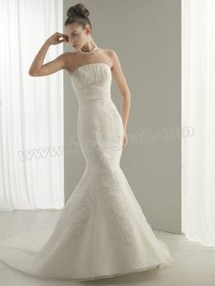 Strapless Mermaid Wedding Dress With Vertical Ruche Bust
