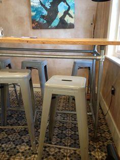 Scaffolding breakfast bar
