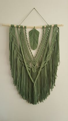 Macrame Design, Macrame Art, Macrame Projects, Macrame Knots, Yarn Projects, Macrame Wall Hanging Patterns, Macrame Plant Hangers, Macrame Patterns, Yarn Crafts