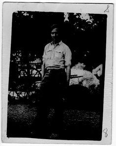 """Costa Vasic, alias Costa Collumbi. Albania. Nacido en 1888. Personajazo. Contratado por el padre de Xemal Kada para traerlo a casa. Fama de criminal en Odesa durante la guerra civil rusa.  Definido como """"aventurero internacional"""", deserta en 1937.El archivo cuenta con dos cartas de amor escritas por una joven madrileña que, evidentemente, no opinaba lo mismo. #Historia #History #SpanishCivilWar #GuerraCivilEspañola #BrigadasInternacionales #InternationalBrigades #España #Spain #GC"""