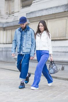 J'aime tout chez toi - French couple from Paris - Alice & js Street Style, Street Look, Street Wear, Mode Streetwear, Streetwear Fashion, Baskets, Rain Jacket, Bomber Jacket, Stylish Couple