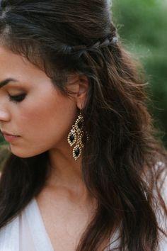 50 Chic Statement Bridal Earrings Ideas To Rock Summer Hairstyles, Pretty Hairstyles, Wedding Hairstyles, Bling Bling, Bridal Earrings, Big Earrings, Black Earrings, Drop Earrings, Skinny