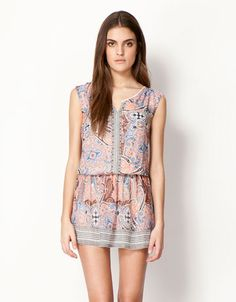 Discover the lastest trends in fashion in Bershka. Buy online shirts, dresses, jeans, shoes and much more. Dress Skirt, Lace Skirt, Coral And Gold, Ethnic Print, Pretty Outfits, Pretty Clothes, Warm Colors, Aeropostale, Ideias Fashion