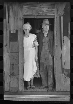 Tenant farmers, Marseilles, IL, 1937. Library of congress FSA/OWI photograph collection.