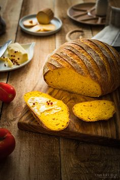 Chleb dyniowy - prosty przepis na domowe pieczywo - Ósmy Kolor Tęczy Bread Recipes, Vegan Recipes, Pumpkin Bread, What To Cook, Food Videos, Appetizer Recipes, Good Food, Food And Drink, Favorite Recipes