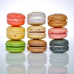 French macaroons :) Yummy Treats, Sweet Treats, French Macaroons, Macaroon Recipes, Banana Cream, French Pastries, Eat Dessert First, No Bake Cookies, Baking Recipes