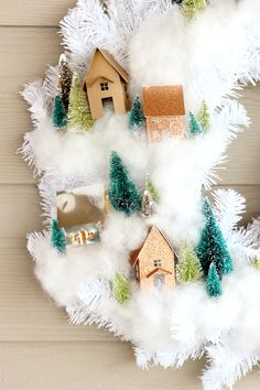 DIY: mini house wreath + free cut files