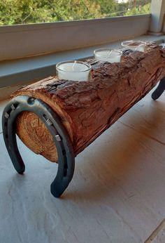 - Do It Yourself - Faites-le vous-même - Hufeisen-Kerzenhalter à chev. Do it yourself - Hufeisen-Kerzenhalter on horseback Diy Wood Projects, Wood Crafts, Woodworking Projects, Woodworking Bench, Woodworking Logo, Woodworking Videos, Diy Crafts, Horseshoe Crafts, Horseshoe Art