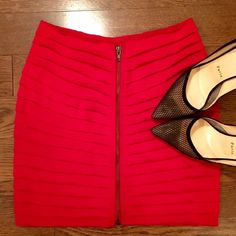✨Red Textured Mini-Skirt w/Front Zipper✨ Red textured Silence + Noise mini skirt with front zipper. Pre-loved but in good condition. Sometimes I wear this skirt backwards to sass it up a bit! (as pictured above) ✨ Urban Outfitters Skirts Mini