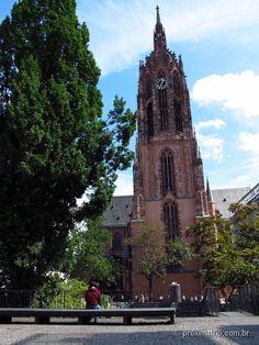 Pontos turísticos imperdíveis em Frankfurt: RÖMER e Catedral DOM • Próxima TripProxima Trip