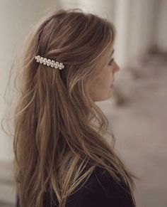 hair beauty - News 04 26 19 Today's Articles of Interest from Around the Internets This Is Glamorous Hair Day, My Hair, Undone Look, Pearl Hair, Hair Accessories For Women, Pretty Hairstyles, Short Hairstyles, Hairstyle Ideas, Baddie Hairstyles