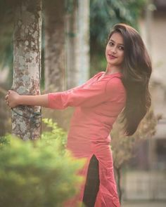 Beautiful Girl Indian, Beautiful Girl Image, Beautiful Indian Actress, Beautiful Moments, Stylish Girls Photos, Stylish Girl Pic, Cute Girl Poses, Girl Photo Poses, Girl Pictures