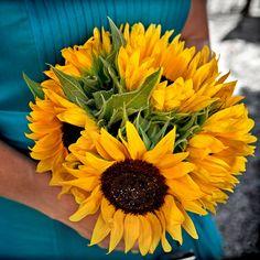 Morlotti Studio - Sweetness of the bride   Bouquet - Sunflower  #wedding #bouquet #bride #sunflower