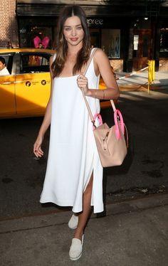 Miranda Kerr Canvas Shoes - Miranda Kerr Looks - StyleBistro Fashion Pants, Fashion Models, Dress Fashion, Fashion Trends, Casual Chic, Casual Wear, Miranda Kerr Street Style, Street Style Summer, Summer Chic