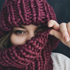 WEBSTA @ jane_khodos - 😜I know you want my knits! Email me for details, I ship worldwide🙌🏻-•-•-•-😜Я знаю, что вы хотите мои вязанки, а я хочу в Нью-Йорк в сентябре!)😆 буду рада связать для вас что-то очень мягенькое и тёплое!☺️