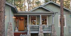 Craftsman-Style Home Paint Color Inspiration Gallery | Behr