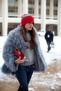 How to Chic: FUR COAT AND BEANIE