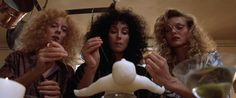 AS BRUXAS DE EASTWICK com SUSAN SARANDON, CHER e MICHELLE PFEIFFER de 1987