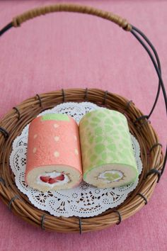 Cake Roll Art : 1000+ ideas about Jelly Roll Cakes on Pinterest Roll ...