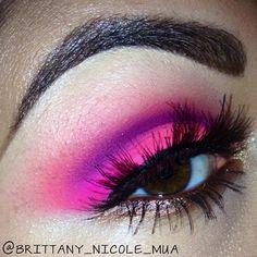 Neon eyeshadow  @brittany_nicole_mua