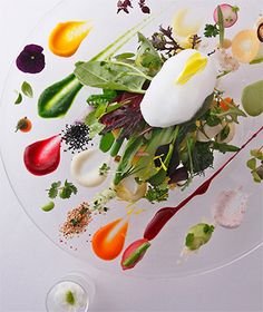 Image in Gourmet collection by Lowella on We Heart It Food Design, Plate Design, Plate Presentation, Food Decoration, Molecular Gastronomy, Edible Art, Teller, Culinary Arts, Gourmet Recipes