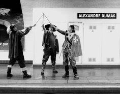 Illustrations humoristiques des stations de métro parisiennes. Alexandre Dumas