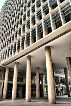 Clássicos da Arquitetura: Ministério de Educação e Saúde /  Lucio Costa e equipe