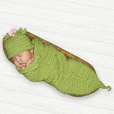 Sweet Pea Photo Prop Crochet Cocoon Sweet Pea Pod and Hat Newborn Preemie 0 to 3 months Baby Photo Prop