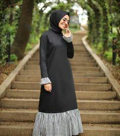 Frock Fashion, Abaya Fashion, Modest Fashion, Fashion Dresses, Hijab Style Dress, Hijab Outfit, Modele Hijab, Muslim Women Fashion, Hijab Fashionista