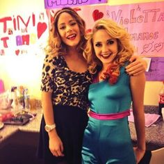 Mercedes Lambre y Tini Stoessel