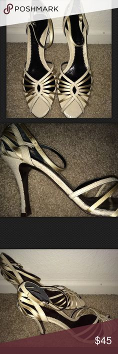 NEW KENNETH COLE CREAM SNAKESKIN HEELS SANDALS 10 Authentic Kenneth Cole New with box Size 10, three inch heel Bone/cream colored Snake print leather with satin upper Style name on box is Dinner Party 100% Authenticity Guaranteed Comes from a pet and smoke free home Kenneth Cole Shoes Heels