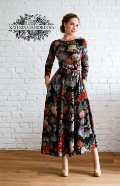 Fabulous flower maxi dress with long sleeves. Modest Dresses, Pretty Dresses, Dresses Dresses, Floral Maxi Dress, Summer Dresses, Sewing Dress, Sewing Clothes, Modest Fashion, Fashion Dresses