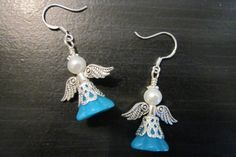 The guardian angel earrings belong to the kind of easy to make jewelry; this pair of litter cuties will soon seize your attention. Ear Jewelry, Jewelry Crafts, Jewelry Art, Beaded Jewelry, Jewelery, Jewelry Design, Angel Earrings, Bead Earrings, Earring Making Supplies