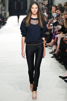 See the complete Alexis Mabille Spring 2015 Ready-to-Wear collection.