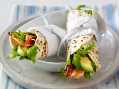 Frühstücksideen: Frühstücksburrito mit Speck-Avocadosalat