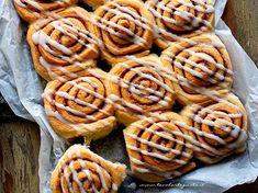 Cinnamon rolls: la Ricetta originale passo passo (morbidisissimi!!) Torte Cake, Cake & Co, Cinammon Rolls, Muffins, Sweet Bakery, Bread Machine Recipes, Tasty, Yummy Food, Macaron