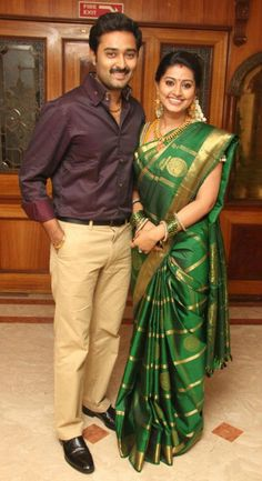 Latest Saree Designs: sneha in green uppada pattu silk saree Bridal Silk Saree, Saree Wedding, Wedding Wear, Wedding Events, Weddings, Indian Beauty Saree, Indian Sarees, Sneha Saree, Pattu Saree Blouse Designs
