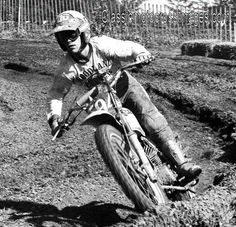 Classic Motocross Images - Photos of National and International Motocross racing from the early days of racing in the United States. Motocross Racing, Vintage Motocross, Old Scool, Off Road Bikes, Dirtbikes, Mini Bike, Helmet, Motorcycles, Classic