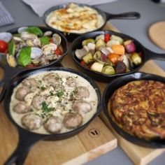 Night Picnic, Skillet Pan, Dutch Oven Cooking, Asia, Camping Meals, Outdoor Cooking, Japanese Food, Brunch, Food And Drink