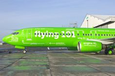 Flying 101 - Kulula Airlines Jet With 'Instructional' Livery Outline - Hoax-Slayer Airplane Humor, Pilot Humor, Jet Privé, Airplane Painting, Airplane Art, Aviation Humor, Civil Aviation, Airline Reservations, Tim Beta