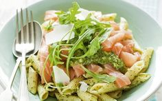 Penne met gerookte zalm Veggie Recipes, Pasta Recipes, Vegetarian Recipes, Cooking Recipes, Dinner Recipes, Healthy Recipes, Healthy Cooking, Healthy Eating, Healthy Food